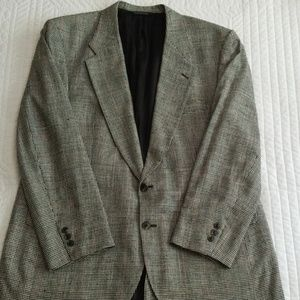 Burberrys Houndstooth All Silk Sport Coat